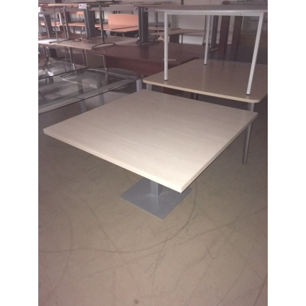 TABLE CARREE TDR6019 OCCASION