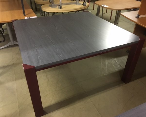 TABLE GRISE NEUF DECLASSE